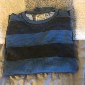 Gap thermal waffle shirt